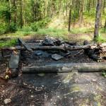 Burnt down wind break shelter near Lysevatten